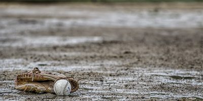 baseball v dešti